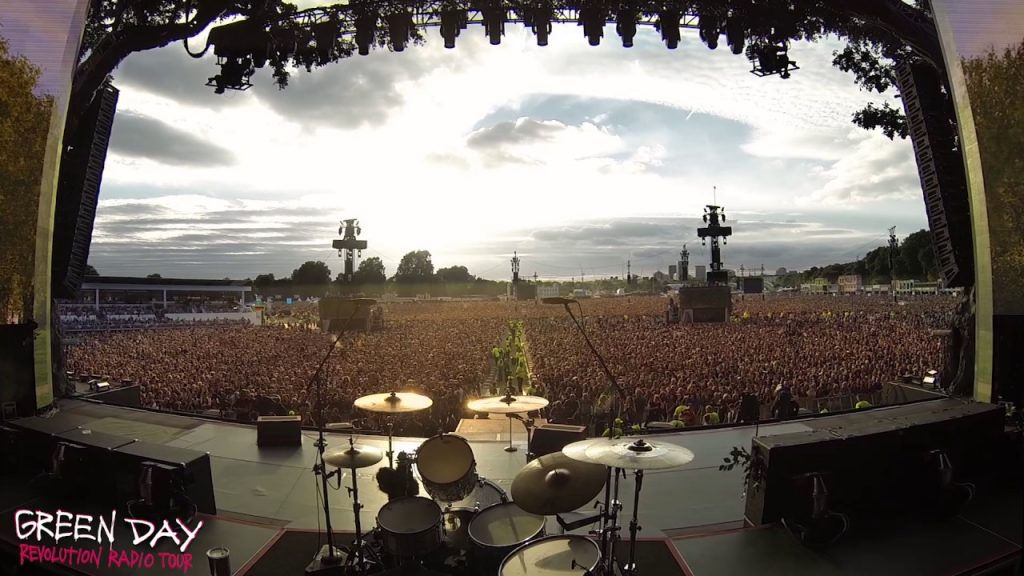 Crowd Of Thousands Sing Bohemian Rhapsody Waiting For Green Day